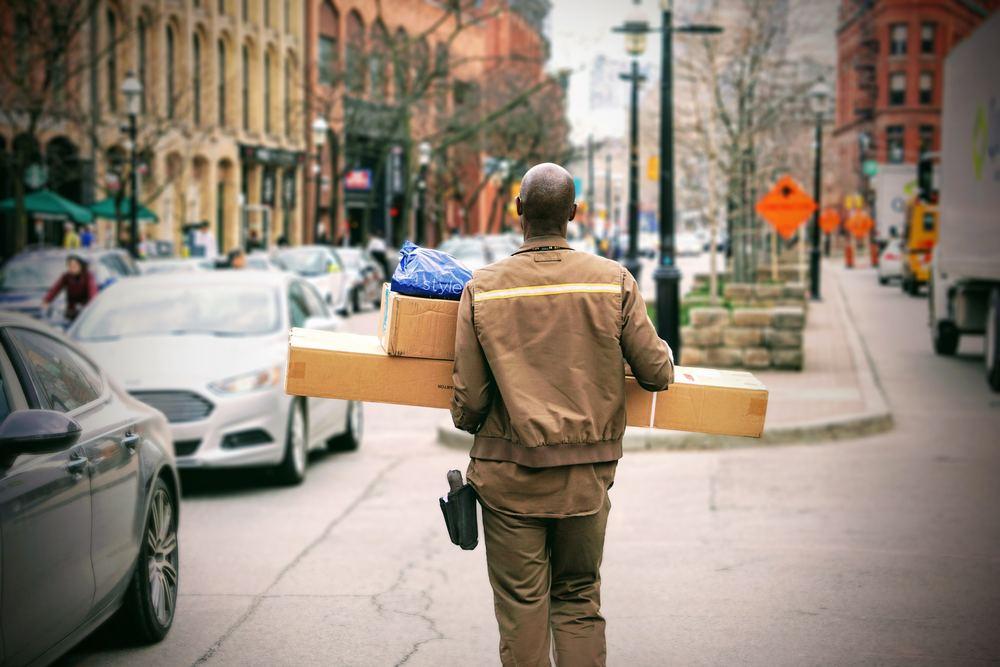 Send pakke med UPS